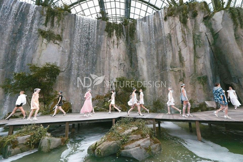 Водопады на показе Chanel фото